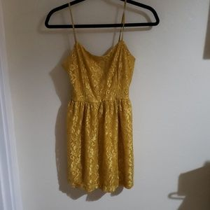 Lace yellow/goldish dress